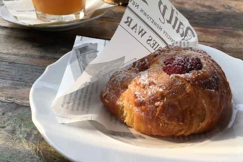 milano colazione pasticceria brioche croissant confettura albicocca frutti rossi g.cova&c.