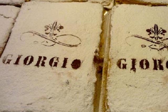 giorgio pasticceria schiacciata alla fiorentina firenze https://www.facebook.com/photo.php?fbid=100316466777027&set=pb.100003960210832.-2207520000.1486506961.&type=3&theater