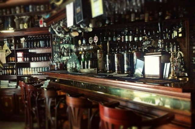 beershop, birra, roma, le bon bock cafè da facebook  https://www.facebook.com/142163635987690/photos/pb.142163635987690.-2207520000.1447406077./150680261802694/?type=3&theater