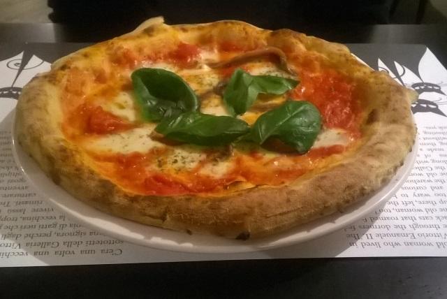 milano pizza napoletana pranzo cena margherita mozzarella bufala presidi slow food prodotti dop prodotti igp i dodici gatti in galleria