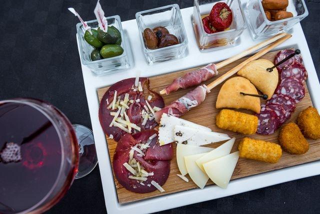 supremo piacere minervino murge puglia aperitivo salumi formaggi