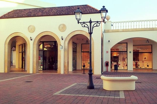 outlet più belli d'italia fashion district molfetta