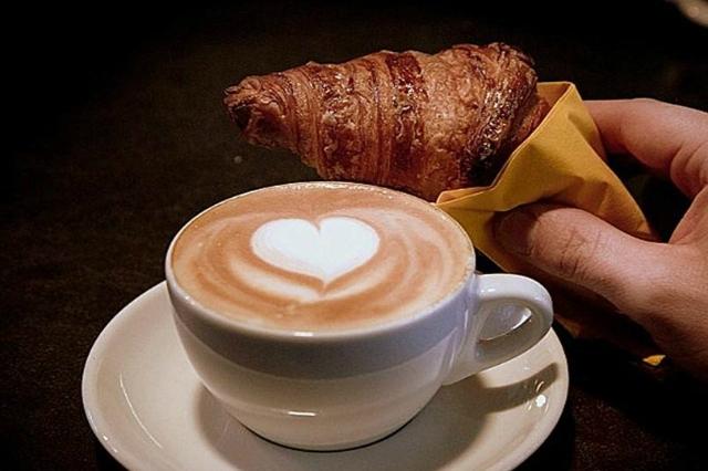 briò bistrot flaminio roma nord colazione a roma cornetto cappuccino salato dolci lieviti bar migliori colazioni a roma