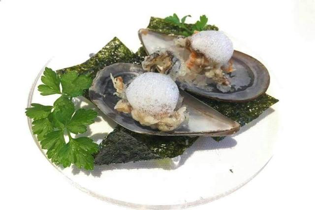 host restaurant pesce diverso fiumicino pesce povero cozze gourmet