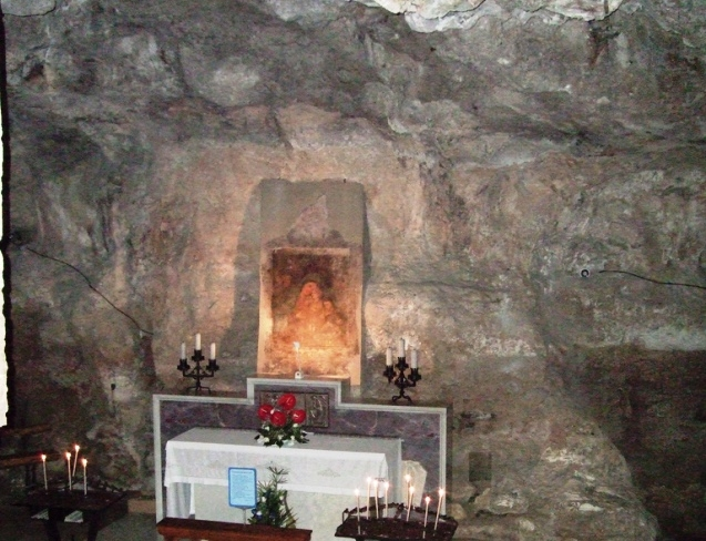 affresco madonna cassano delle murge foto di http://commons.wikimedia.org/wiki/file:cassano_cripta.jpg