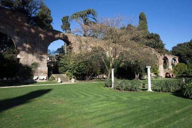 giardini segreti roma villa wolkonsky