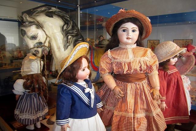 collezione bambole rocca di angera