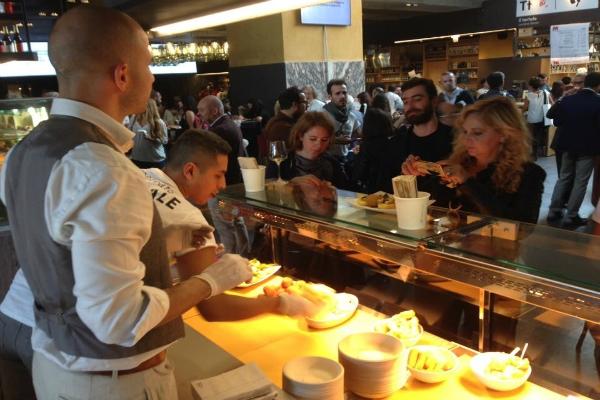 pastella fritto street food romano mercato centrale banco stazione termini martino bellicampi supplì baccalà verdura pastellata