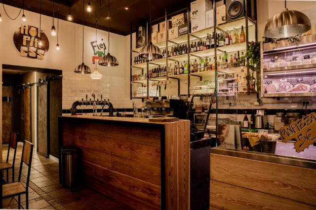 hoppiness beer bistrot concertone primo maggio roma san giovanni locali dove andare ristoro pan pizza porchetta birra alla spina birreria