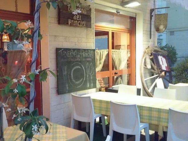 taverna dei principi canosa di puglia pizzeria mangiare pizza bat