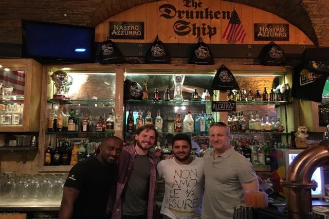 drunken ship pub americano roma campo de' fiori eventi feste intervista team francesco tuzio