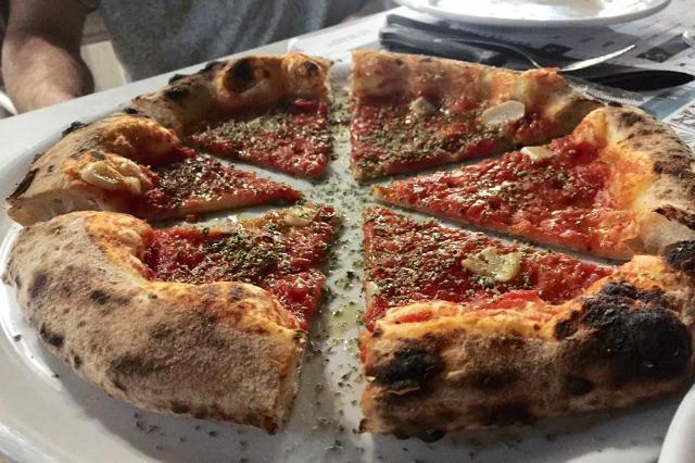 seu al plinius pier daniele seu pizzaiolo migliori pizzerie sul mare di roma stabilimento balneare plinius ostia lido pizza napoletana gourmet