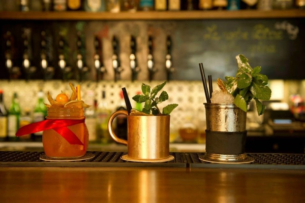 passus cocktail bar san lorenzo aperitivo gin tonic spritz guida ai migliori aperitivi di roma quartiere per quartiere