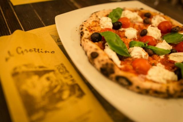 pizza e birra a roma abbinamento pizzeria al grottino san giovanni tonino birra belga trappista gourmet