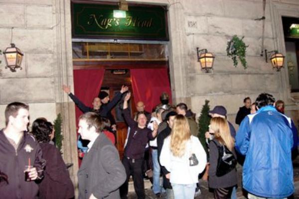 nag's head centro storico scottish pub roma scozia pub scozzese birra alla spina movida giovani bere a roma migliori scottish pub a roma