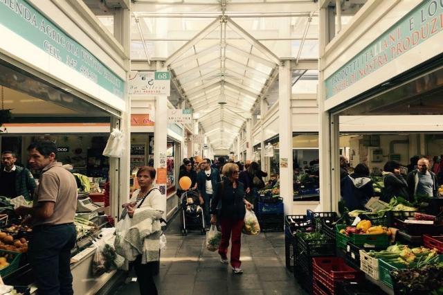 mercato di testaccio nuovo una giornata a testaccio roma pranzo street food luoghi particolari passeggiata