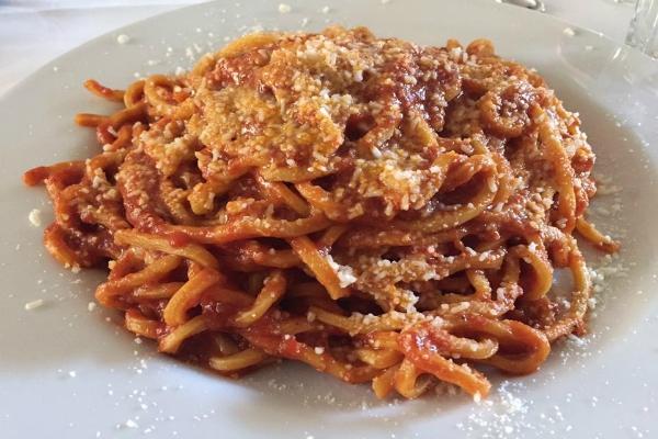 flavio al velavevodetto amatriciana trattoria le migliori amatriciane di roma testaccio bucatini rigatoni guanciale pecorino cucina romana
