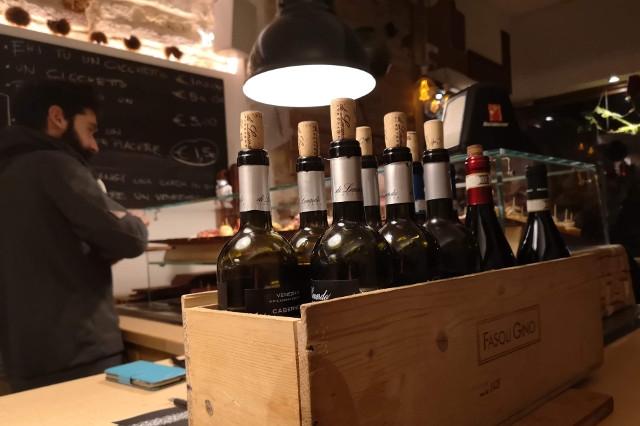 basego venezia cicchetteria cicchetti spritz vino bacaro osteria prosecco aperitivo mangiare