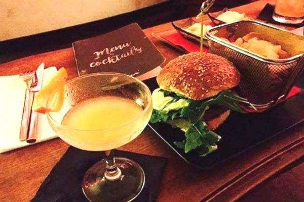 percorsi exotic burgers trastevere burger cocktail mixologia carni esotiche zebra classifica web tripadvisor google migliori hamburgers di roma