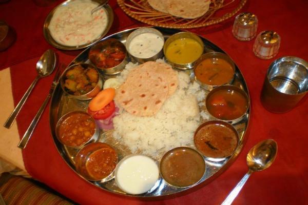 himalaya kashmir ristorante indiano piazza vittorio roma cucina nord india montone pollo maiale spezie peperoncino migliori ristoranti etnici a roma
