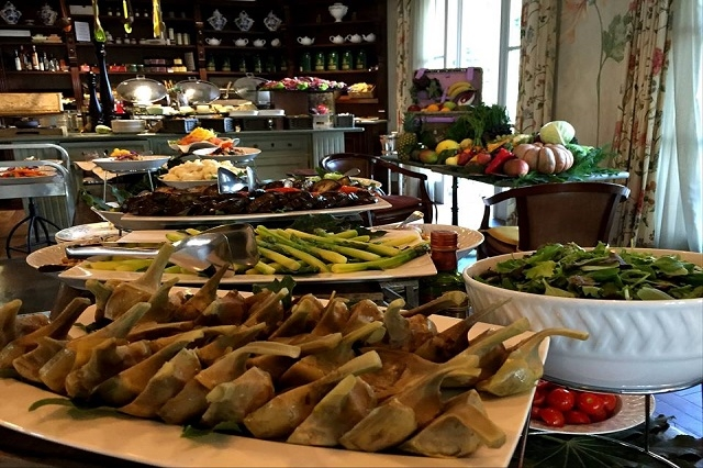 flora e fauno restaurant ville sull'arno brunch https://www.facebook.com/hotelvillesullarno/photos/a.1404712353148779.1073741828.1389509768002371/1887998248153518/?type=3&theater