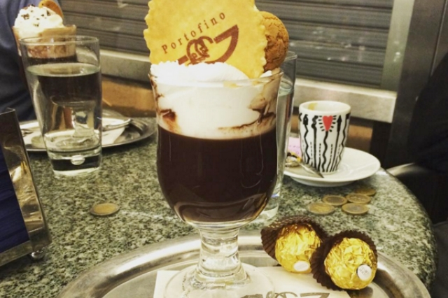pausa relax: dove trovare le migliori cioccolate calde di roma https://www.facebook.com/caffeportofinoroma/photos/a.10151629596323844.1073741826.37515858843/10153724332618844/?type=3&theater
