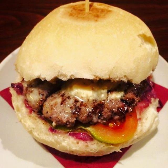 cine lumiere puglia hamburger pub mola di bari carne