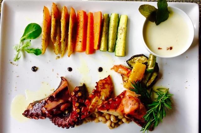 la peniche marina di massa dove mangiare in versilia https://www.facebook.com/ristorantelapeniche/photos/a.10151894863751780.1073741826.61620931779/10154329807851780/?type=3&theater