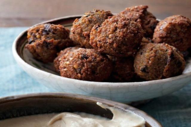 mezè bistrot monteverde ristoranti cena cucina etnica mediorientale falafel 7 locali cena fuori bistrot