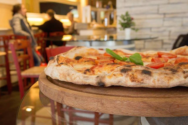 mr pizza firenze  https://www.facebook.com/misterpizzafirenze/photos/a.141573605945642/736415656461431/?type=3&theater