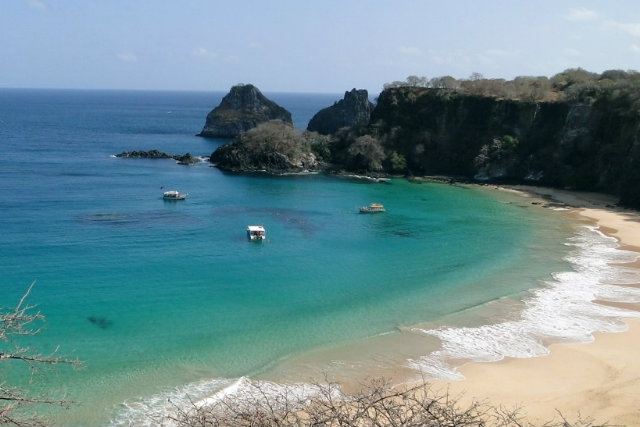 baia do sancho fernando de noronha, brasile https://www.flickr.com/photos/af2009/6838976525/in/photolist-bqkxsn-8um3j6-35hh7i-v9mkr9-twfgmm
