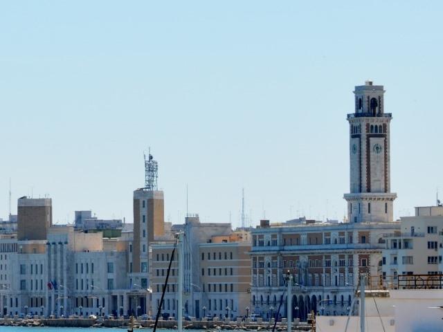 palazzo provincia bari diritti riserva francesco de leo https://www.flickr.com/photos/115771403@n04/26349726644/