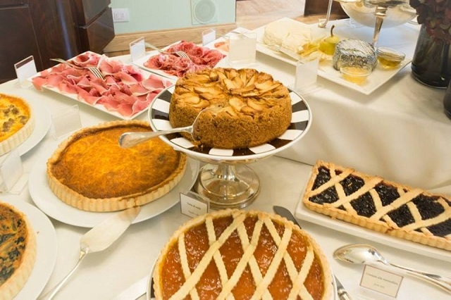 relais le jardin hotel regency brunch https://www.facebook.com/hotelregency/photos/gm.1604781189829879/10154259464223845/?type=3&theater
