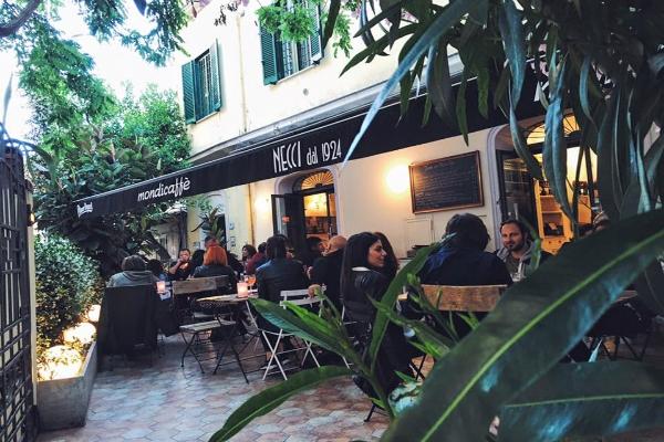 bar necci dal 1924 pigneto aperitivo locale storico dopolavoro cocktail bar ristorante fritti focacce guida migliori aperitivi di roma quartiere per quartiere
