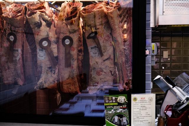 trattoria dall'oste vetrina della carne