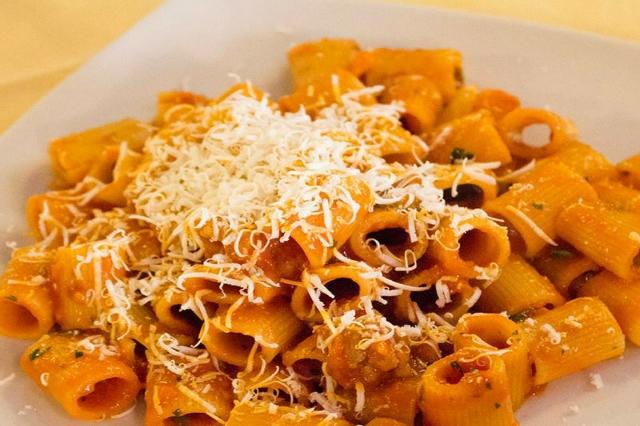 hostaria isidoro roma celio colosseo i migliori ristoranti nascosti a roma amatriciana cucina romana osteria trattoria