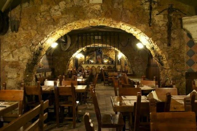 la leggenda di avalon pub roma san giovanni assenzio roma dove bere birra assenzio cocktail locale