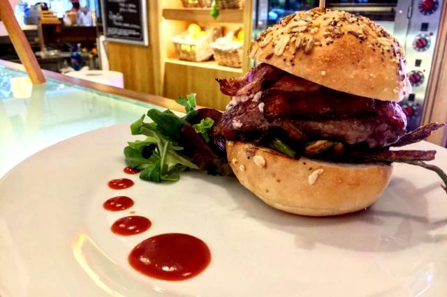 trattoria da neno panino gourmet burger hamburger roma piazza bologna bacon cheddar doppio