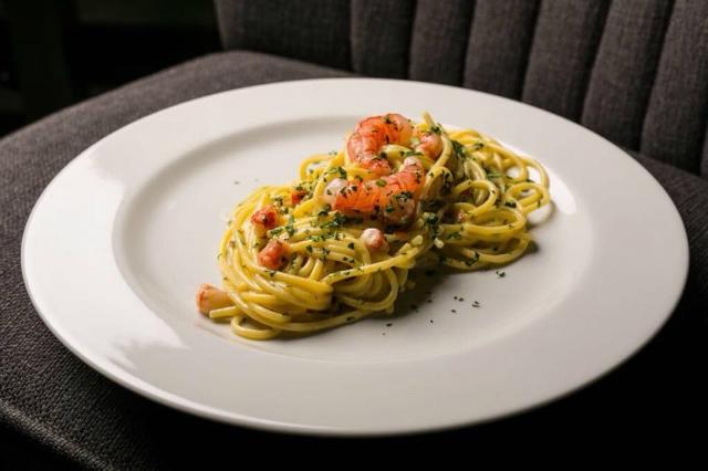 vado al pigneto trattoria pigneto pranzo domenica in trattoria roma spaghetti gamberi lime gourmet