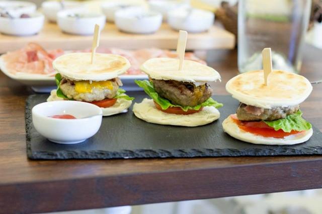 la tigelleria romana tigelle gnocco fritto migliore street food regionale roma emilia romagna salumi focaccia formaggio ostiense