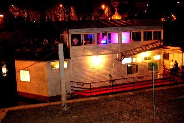 dove festeggiare 30 anni a roma barcone sul tevere
