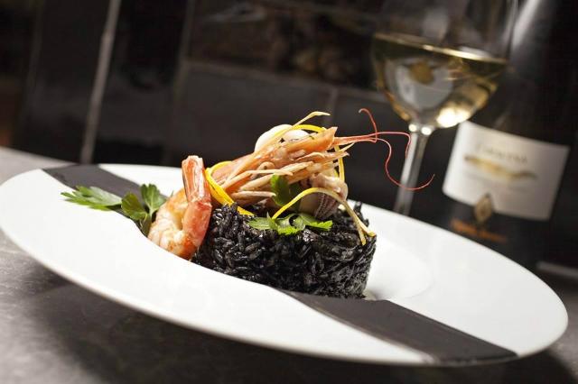 rosso eat drink & stay roma aventino ristoranti aperti fino a tardi notte cucina espressa nottambuli