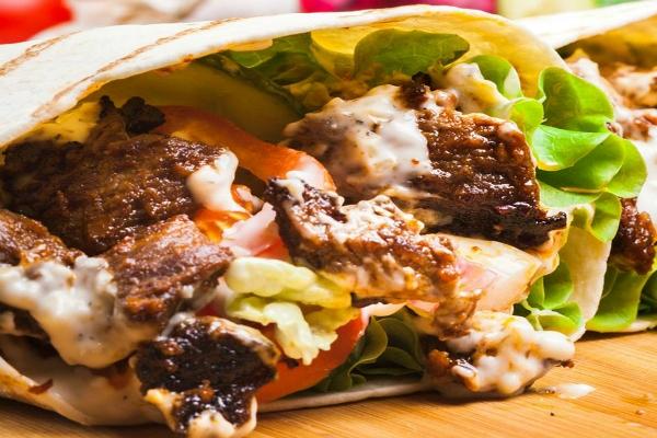 ciro kebab 4 sedi roma kebabbaro piadina carne agnello salse orientale classifica 10 kebab preferiti a roma