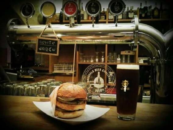 hamburger, murex brew pub