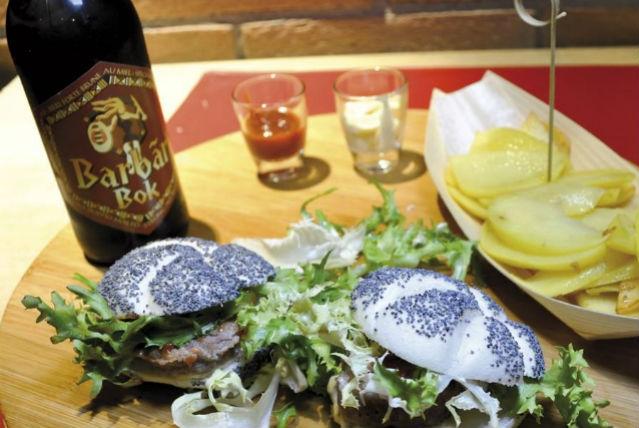 ristorante locale andria capolinea foto da facebook https://www.facebook.com/capolineaandria/photos/pb.571598029607033.-2207520000.1461135567./787595528007281/?type=3&theater
