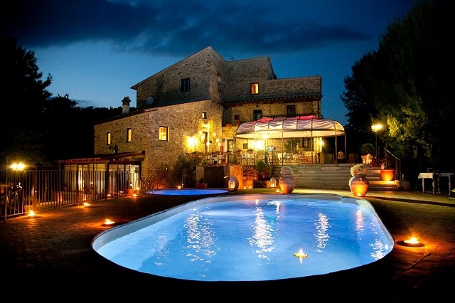 il castelluccio country resort https://www.facebook.com/osteria.delmilione/photos/pb.845894992159747.-2207520000.1464262302./845899108826002/?type=3&theater