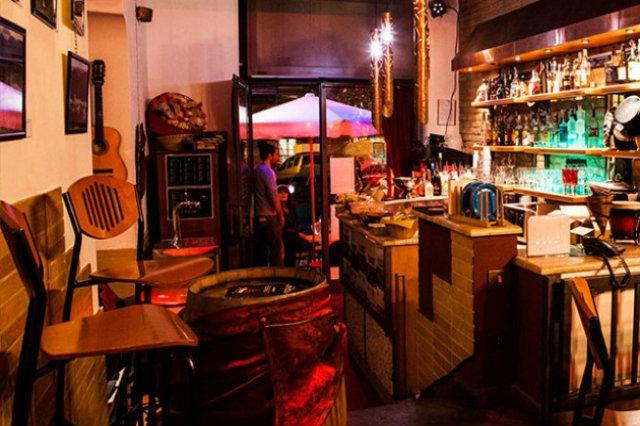 rebacco migliori aperitivi san giovanni roma apericena buffet cocktail bar fino a tarda notte birra vino calice giovani movida