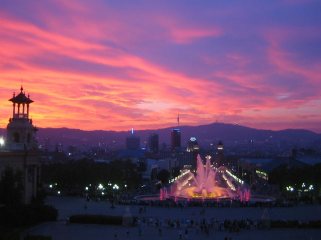 barcellona evening flickr creative commons https://www.flickr.com/photos/mediohipo/4341825187/
