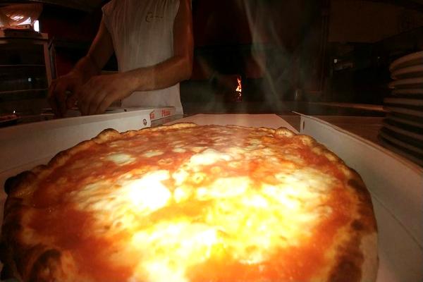ristorante bar pizzeria europa san felice circeo pizza margherita cena spiaggia tramonto panorama vista isole pontine parco circeo dove andare a mangiare la pizza quando vai al mare sabaudia e san felice circeo