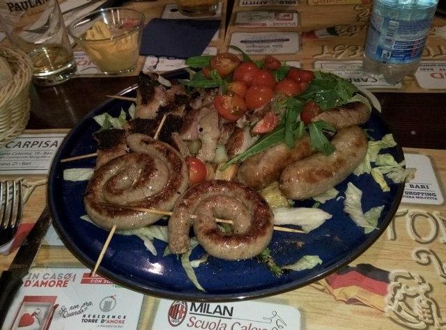 piatto carni e griglia mista oktoberfest bari da pagina facebook del locale